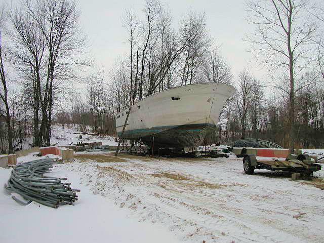 041222  hull in yard 2.JPG