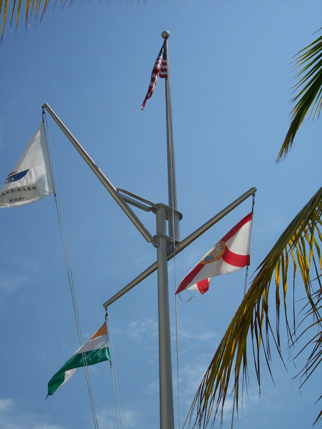 Top Yacht Clubs, Marinas And Flag Etiquette - General Yachting  LL01