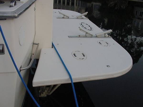 Hydraulic Swim Platform On A 64 Hatt My Hatteras