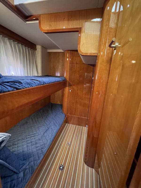 36-mid cabin3.jpeg
