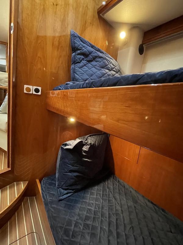 37-mid cabin2.jpeg