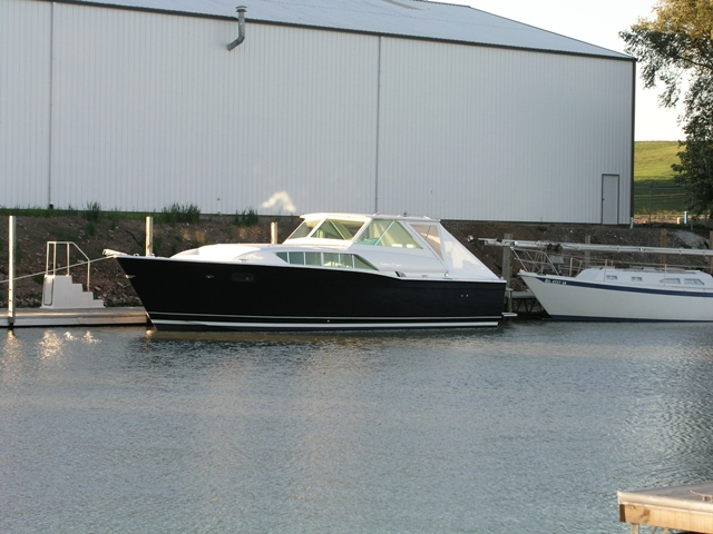 1972 35' Chris Craft Commander Express Refit - YachtForums.