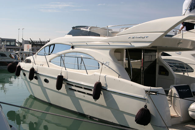 pic 34 - AZIMUT 46. Attached Images