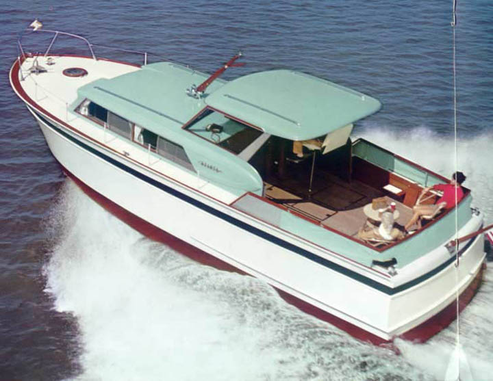 Chris Craft 36' Roamer