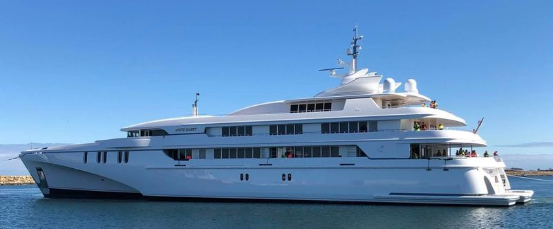 Echo Yachts Launch 84M White Rabbit (1).jpg
