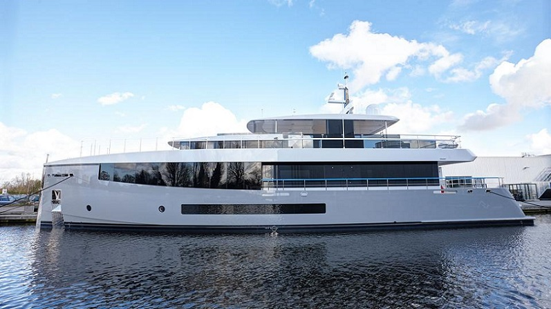 Feadship Deliver 33.5M Moon Sand Too and Kamino (2).jpg