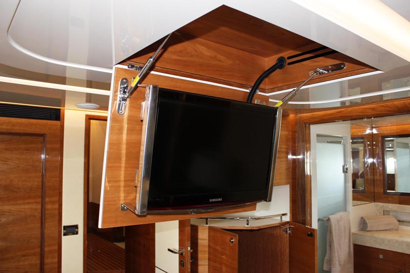 review horizon yachts ep69 expedition page 2 horizon. Black Bedroom Furniture Sets. Home Design Ideas