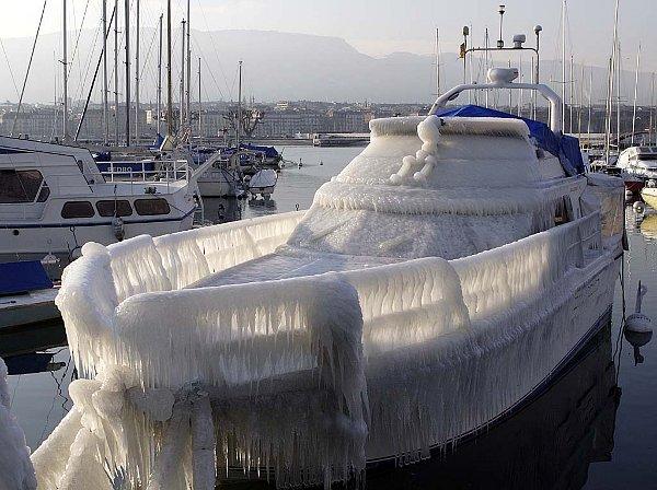 frozen-boat.jpg