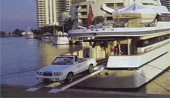 Voiture sur Yacht
