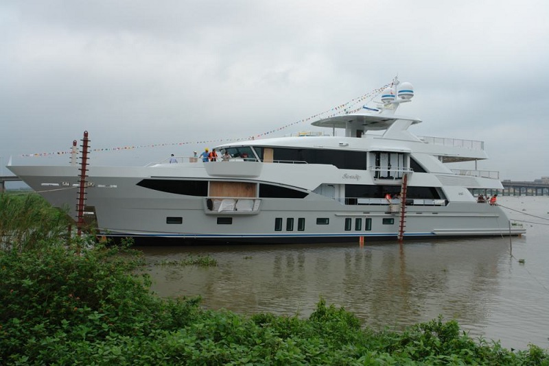 IAG Launches 41M Serenity.JPG