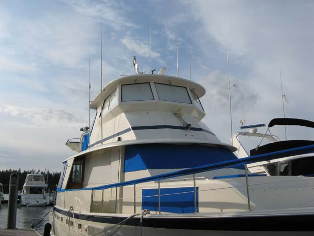 Hatteras YachtFish w/ Enclosed Skylounge...? - YachtForums.