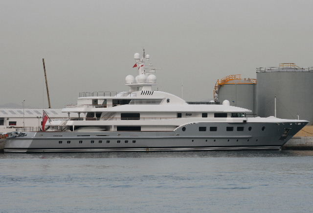 34392d1259331739 yachts gibraltar my kogo 181109 001 Description of a very expensive and a luxury yacht Kogo