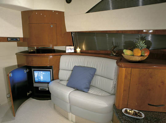 Fairline Phantom 40 - salon. Attached Images