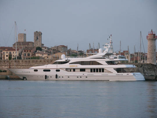 Queen M by Benetti Yachts - YachtForums.