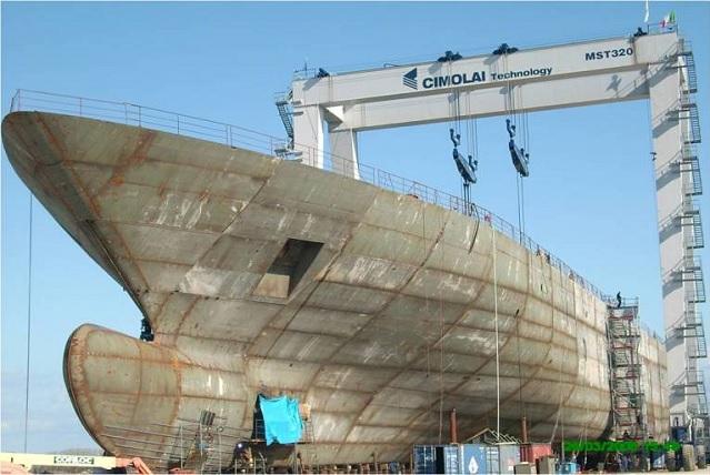 Seabourn Odyssey in-build CIMOLAI Yard S. Giorgio di Nogaro.jpg