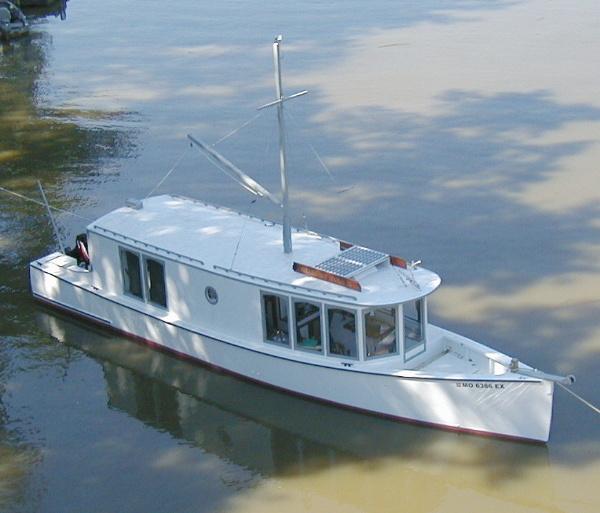 Sharpie houseboat.jpg