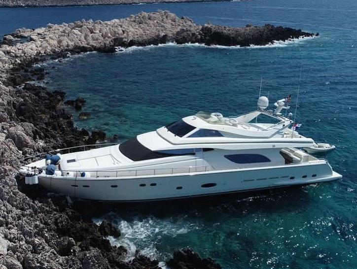 Smash yacht 2.jpg
