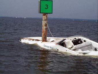 35230d1261251447-bertram-630-sportfish-sinks-speed_boat_hits_pole.jpg