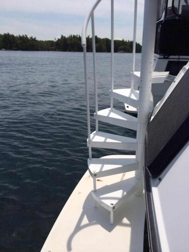 Spiral Stairs Carver Yacht Yachtforums We Know Big Boats